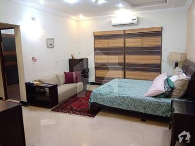 Available For Rent Flat 2 Bad Room Phase 6 Fully Furnished