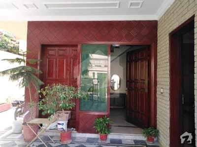 F113 500 Yards 50x901 Kanal Double Unit Corner House 6 Bedrooms Demand Rupees 8 Crores Fifty Lac
