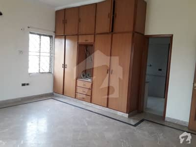 Dha Phase 4 Double Unit Old House For Sale