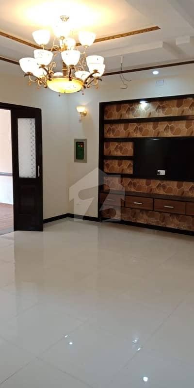 آرکیٹیکٹس انجنیئرز ہاؤسنگ سوسائٹی لاہور میں 5 کمروں کا 10 مرلہ مکان 2 کروڑ میں برائے فروخت۔