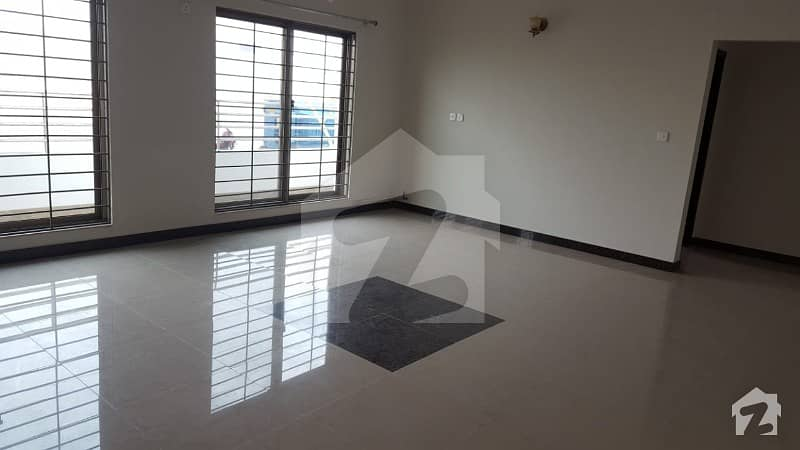 12 Marla 4 Bedrooms 7th Floor Apartment For Sale Located In Sector F Askari 10 Lahore