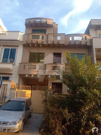 جی ۔ 13/1 جی ۔ 13 اسلام آباد میں 3 کمروں کا 4 مرلہ مکان 1.4 کروڑ میں برائے فروخت۔