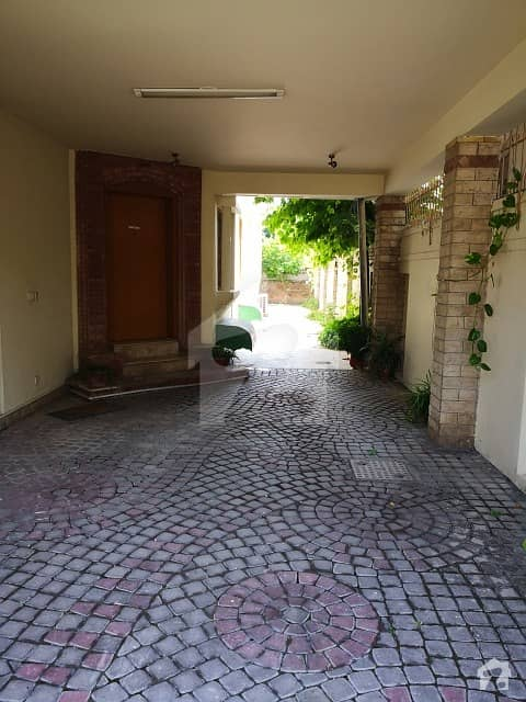 This Is F-7 Beautiful Triple Storey 4 Bedroom Accommodation House For Sale
