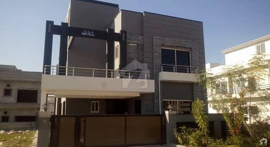 بحریہ گرینز۔ اوورسیز انکلیو - سیکٹر 3 بحریہ گرینز۔ اوورسیز انکلیو بحریہ ٹاؤن فیز 8 بحریہ ٹاؤن راولپنڈی راولپنڈی میں 4 کمروں کا 10 مرلہ مکان 2.3 کروڑ میں برائے فروخت۔