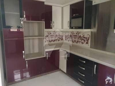 پی ای سی ایچ ایس بلاک 6 پی ای سی ایچ ایس جمشید ٹاؤن کراچی میں 5 کمروں کا 10 مرلہ مکان 5.5 کروڑ میں برائے فروخت۔