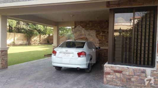 43 Marla Corner Luxury House At Reasonable Price