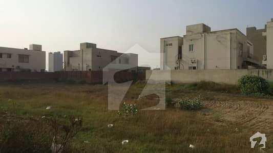 ڈی ایچ اے فیز 6 - بلاک جے فیز 6 ڈیفنس (ڈی ایچ اے) لاہور میں 1 کنال رہائشی پلاٹ 2.75 کروڑ میں برائے فروخت۔