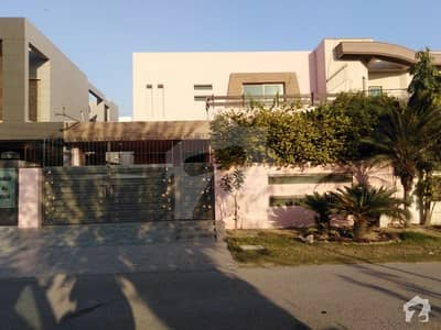 10 Marla House For Rent In Dd Block Of DHA Phase 4 Lahore