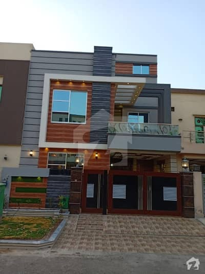 5 Marla Brand New Lower Portion available for rent in Block AA Bahria Town