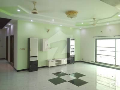 20 Marla Beautiful House available for rent in Chambelli Block Bahria Town