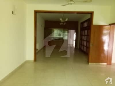 1 Kanal House Is Available For Rent Located In Phase 1 N Block Dha Defence