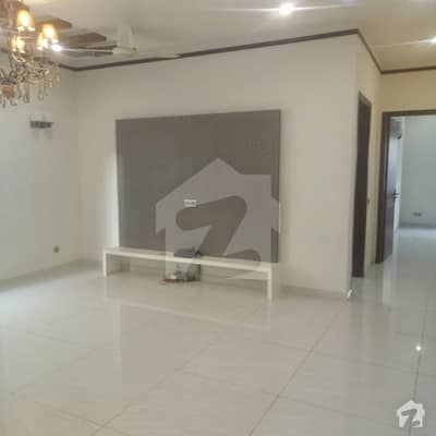 dha phase 8 Brand new Bunglow 500 Yrd peaceful street location proper two units 3 3 bedroom
