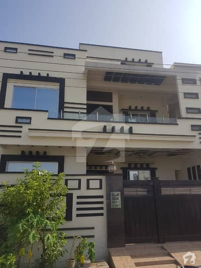 10 Marla House Available For rent In Canal View