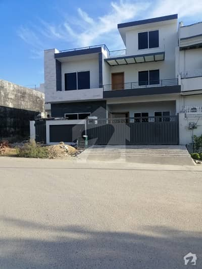 Luxury High Quality 10 Marla House For Sale