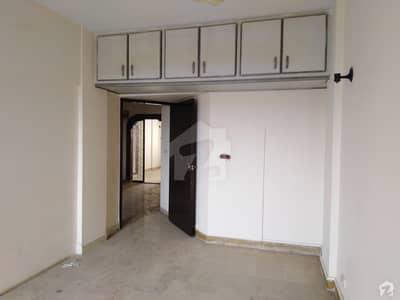 ڈی ایچ اے فیز 2 ڈی ایچ اے کراچی میں 2 کمروں کا 4 مرلہ فلیٹ 33 ہزار میں کرایہ پر دستیاب ہے۔