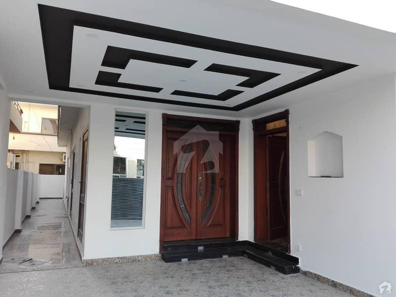 ای ۔ 11/4 ای ۔ 11 اسلام آباد میں 5 کمروں کا 10 مرلہ مکان 1.4 لاکھ میں کرایہ پر دستیاب ہے۔