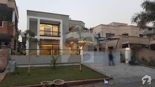 ایف ۔ 11/4 ایف ۔ 11 اسلام آباد میں 6 کمروں کا 1 کنال مکان 9 کروڑ میں برائے فروخت۔
