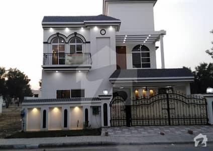 بحریہ آرچرڈ فیز 1 ۔ سینٹرل بحریہ آرچرڈ فیز 1 بحریہ آرچرڈ لاہور میں 5 کمروں کا 10 مرلہ مکان 1.85 کروڑ میں برائے فروخت۔