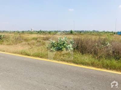 ڈی ایچ اے فیز 7 - بلاک یو فیز 7 ڈیفنس (ڈی ایچ اے) لاہور میں 1 کنال رہائشی پلاٹ 1.23 کروڑ میں برائے فروخت۔