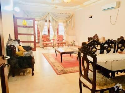 گلشنِ اقبال - بلاک 13 ڈی گلشنِ اقبال گلشنِ اقبال ٹاؤن کراچی میں 6 کمروں کا 16 مرلہ مکان 5.75 کروڑ میں برائے فروخت۔