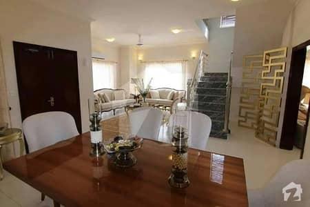 three bedrooms villa for rent