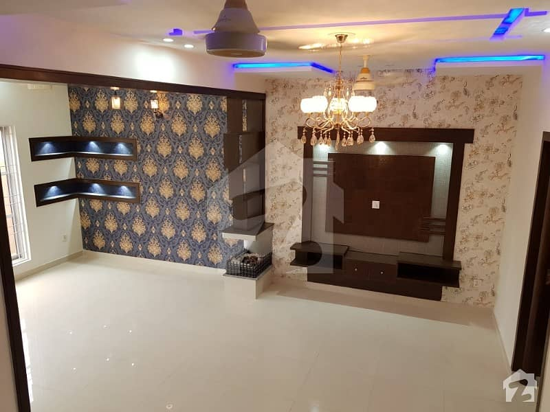 5 MARLA BRAND NEW CLASSIC LUXURY HOUSE FOR RENT IN BAHRIA TOWN LAHORE