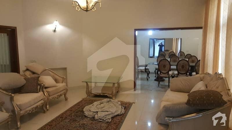 کیولری گراؤنڈ لاہور میں 4 کمروں کا 15 مرلہ زیریں پورشن 42 ہزار میں کرایہ پر دستیاب ہے۔