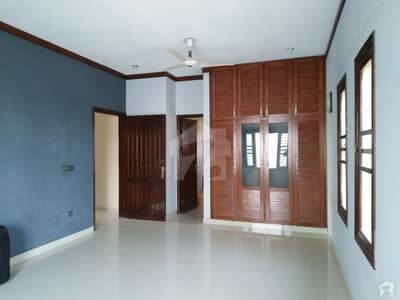 5 Bedrooms Banglow Is Available For Rent