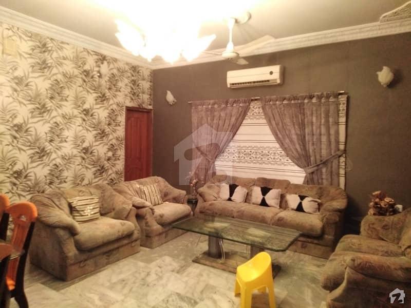 ڈی ایچ اے فیز 4 ڈی ایچ اے کراچی میں 5 کمروں کا 1 کنال مکان 2.25 لاکھ میں کرایہ پر دستیاب ہے۔