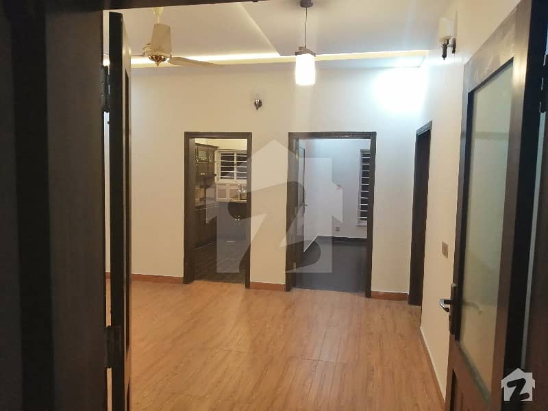 Fresh Corner Ground Portion Available For Rent