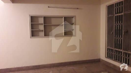 A BEAUTIFUL SINGLE STORY HOUSE AVAILABLE FOR SALE IN MEHRAN BLOCK