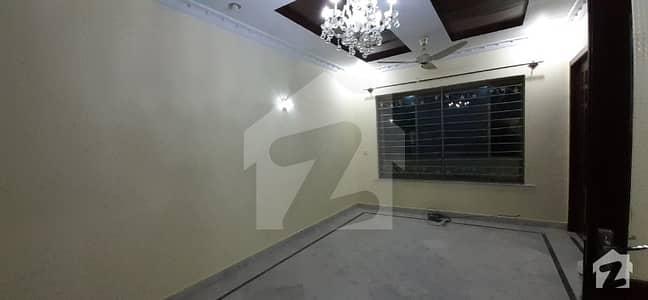 ای ۔ 11/4 ای ۔ 11 اسلام آباد میں 4 کمروں کا 12 مرلہ زیریں پورشن 80 ہزار میں برائے فروخت۔