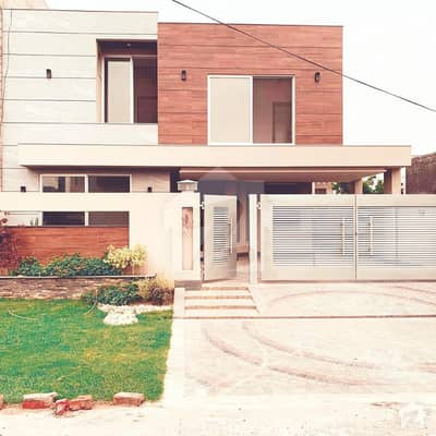Excellent Location 10 Marla Brand New Bungalow For Sale At Phase 5