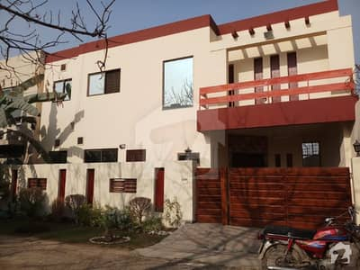 Defence 6.5 Marla Bungalow Ideal Location Reasonable Price