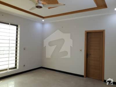 پولیس فاؤنڈیشن ہاؤسنگ سوسائٹی اسلام آباد میں 3 کمروں کا 1 کنال مکان 42 ہزار میں کرایہ پر دستیاب ہے۔