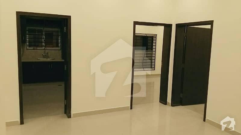 ڈی ایچ اے فیز 2 - سیکٹر ای ڈی ایچ اے ڈیفینس فیز 2 ڈی ایچ اے ڈیفینس اسلام آباد میں 4 کمروں کا 10 مرلہ مکان 68 ہزار میں کرایہ پر دستیاب ہے۔