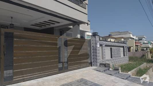 سوان گارڈن ۔ بلاک ایف سوان گارڈن اسلام آباد میں 6 کمروں کا 1 کنال مکان 3 کروڑ میں برائے فروخت۔