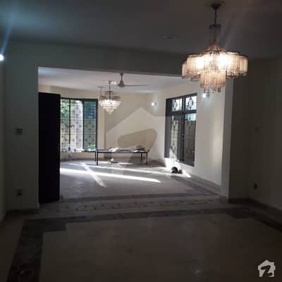 5 MARLA APPARTMENT 2ND FLOOR AVAILABLE FOR SALE ON PRIME LOCATION OF BLOCK P