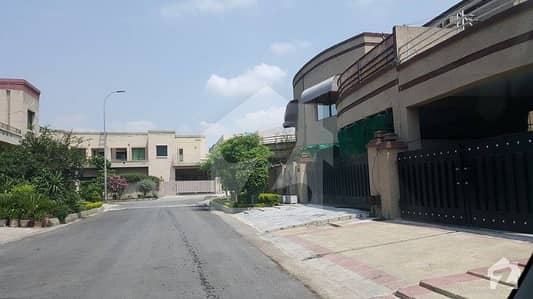 Independent 3 Bed SD House Available In Askari 14 For Rent