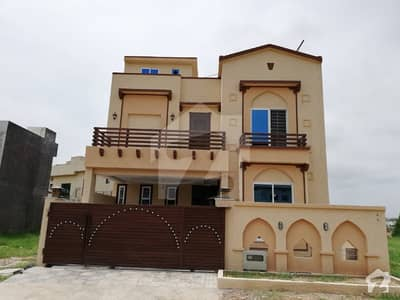 Brand New 12 Marla With Lawn House For Rent
