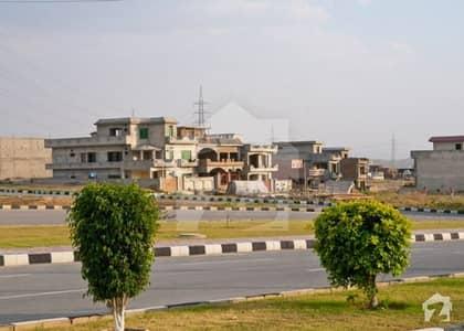 ایم پی سی ایچ ایس - بلاک سی ایم پی سی ایچ ایس ۔ ملٹی گارڈنز بی ۔ 17 اسلام آباد میں 8 مرلہ رہائشی پلاٹ 55 لاکھ میں برائے فروخت۔