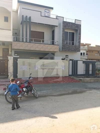 رِیور گارڈن اسلام آباد میں 4 کمروں کا 10 مرلہ مکان 1.75 کروڑ میں برائے فروخت۔