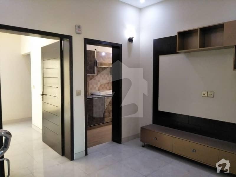 بحریہ ٹاؤن ۔ بلاک اے اے بحریہ ٹاؤن سیکٹرڈی بحریہ ٹاؤن لاہور میں 2 کمروں کا 5 مرلہ بالائی پورشن 27 ہزار میں کرایہ پر دستیاب ہے۔