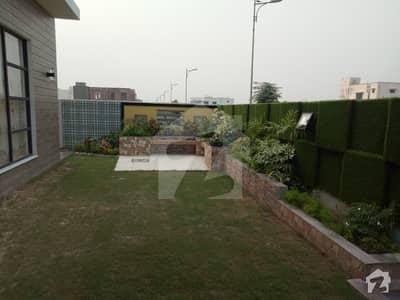 ڈی ایچ اے فیز 6 - بلاک کے فیز 6 ڈیفنس (ڈی ایچ اے) لاہور میں 5 کمروں کا 1 کنال مکان 1.85 لاکھ میں کرایہ پر دستیاب ہے۔