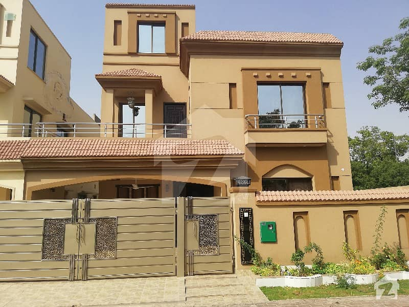 10 Marla House For Rent in Dd Block Sector D Bahria Town Lahore