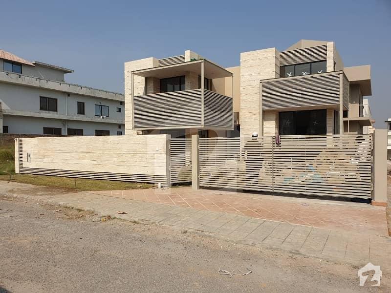ڈی ایچ اے ڈیفینس فیز 2 ڈی ایچ اے ڈیفینس اسلام آباد میں 5 کمروں کا 1 کنال مکان 5.25 کروڑ میں برائے فروخت۔