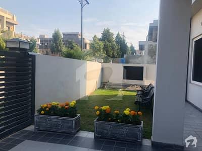 بحریہ انکلیو بحریہ ٹاؤن اسلام آباد میں 5 کمروں کا 1 کنال مکان 4.8 کروڑ میں برائے فروخت۔