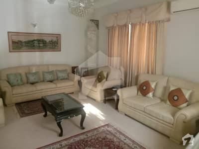 ڈی ایچ اے فیز 6 ڈی ایچ اے کراچی میں 3 کمروں کا 1 کنال زیریں پورشن 2 لاکھ میں کرایہ پر دستیاب ہے۔