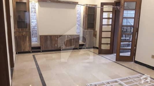 ڈی ۔ 12 اسلام آباد میں 5 کمروں کا 8 مرلہ مکان 85 ہزار میں کرایہ پر دستیاب ہے۔