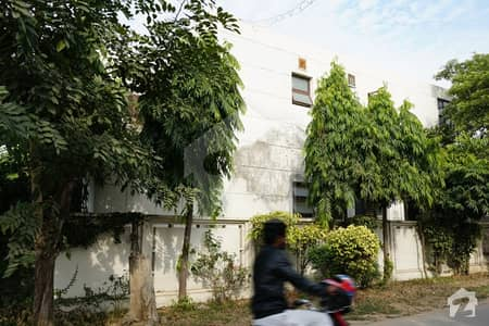Al Habib Property Offers 1 Kanal Old House For Sale In DHA Lahore Phase 5 Block E